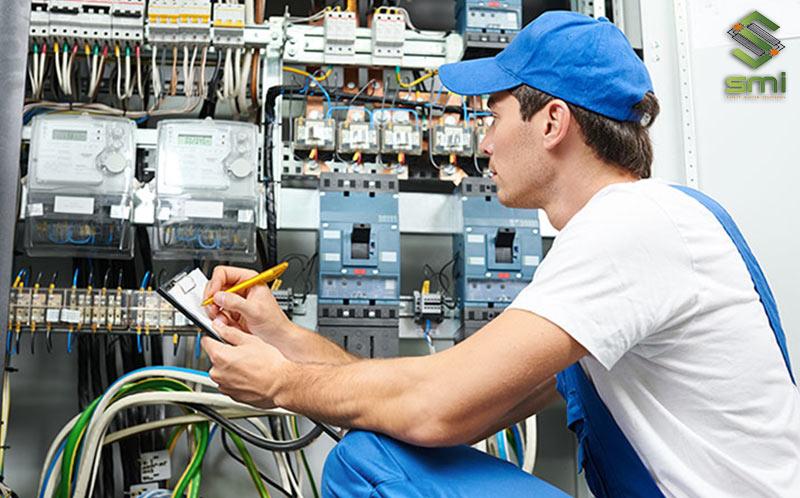 Việc bảo trì hệ thống điện cần làm thường xuyên để đảm bảo hiệu quả, an toàn của hệ thống
