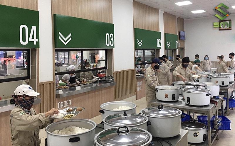 Vị trí đặt Canteen không nên cách quá xa nhà xưởng, tránh việc di chuyển mất thời gian