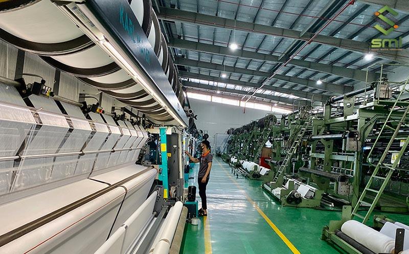 Nhờ có hệ thống điện công nghiệp nên các hoạt động sản xuất diễn ra liên tục, không bị gián đoạn