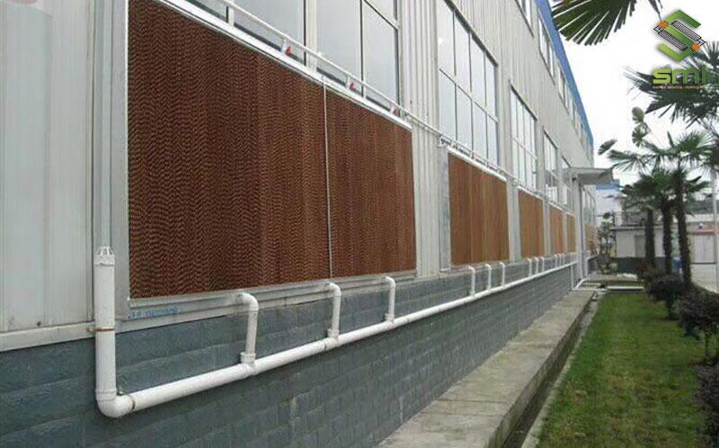 Dùng Cooling Pad kết hợp với hệ thống thông gió sẽ đem đến làn gió tươi mát cho nhà xưởng