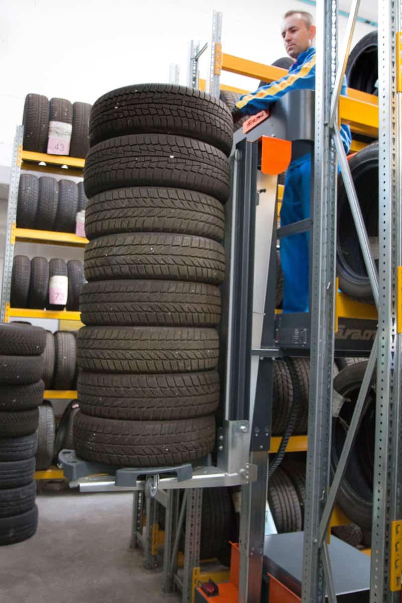e5-tires-picking