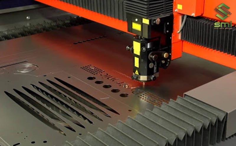 Máy khắc laser sử dụng trong gia công cơ khí