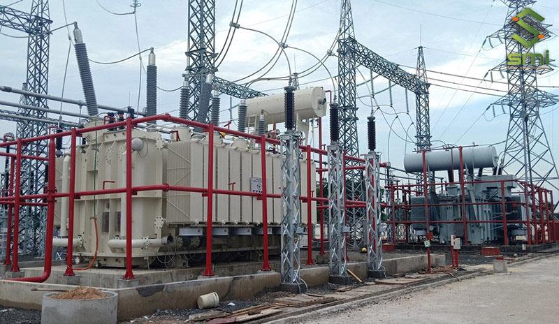 Hệ thống biến áp tổng sẽ biến đổi và ổn định dòng điện về ngưỡng thích hợp để sử dụng
