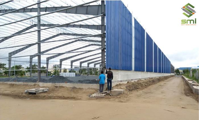 Hệ thống tường, vách phải đảm bảo có khả năng chống lại các tác động của môi trường như: gió, bụi bẩn, cát,...