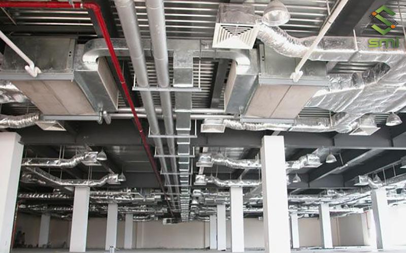 Các hệ thống làm mát sử dụng kênh dẫn gió được sử dụng rất nhiều tại các khu xưởng có quy mô lớn, tập trung nhiều lao động