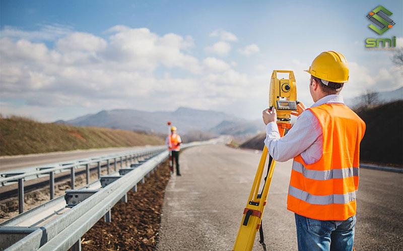 Trước khi thiết kế, thi công nhà xưởng cần phải khảo sát kỹ lưỡng vị trí dự án
