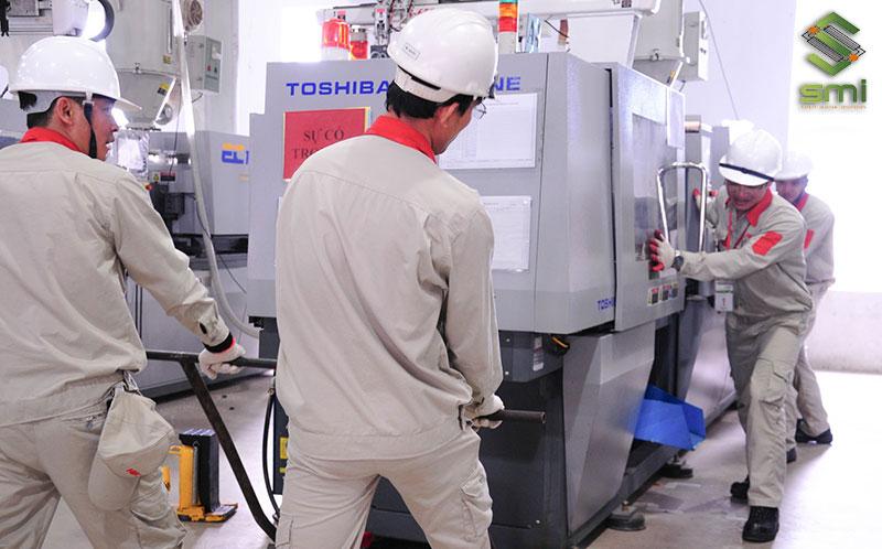 Sau khi hoàn thiện nhà xưởng sẽ đến công đoạn lắp đặt thiết bị cho nhà xưởng