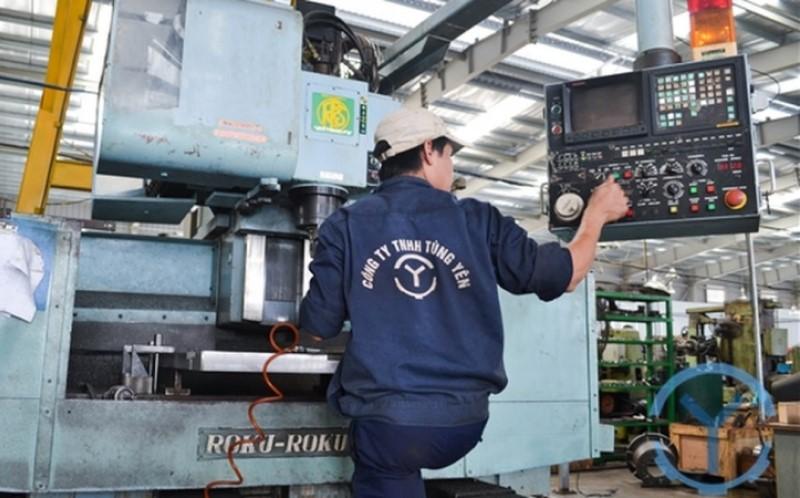 Bên trong nhà máy gia công cơ khí Tùng Yên