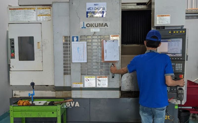 Bên trong nhà máy gia công cơ khí công ty VN-TECH