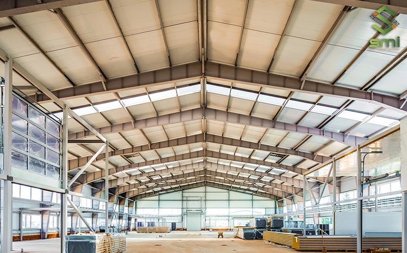 Nhà xưởng nhỏ 700㎡ có kết cấu thép, vừa tạo sự chắc chắn vừa tăng tính thẩm mỹ