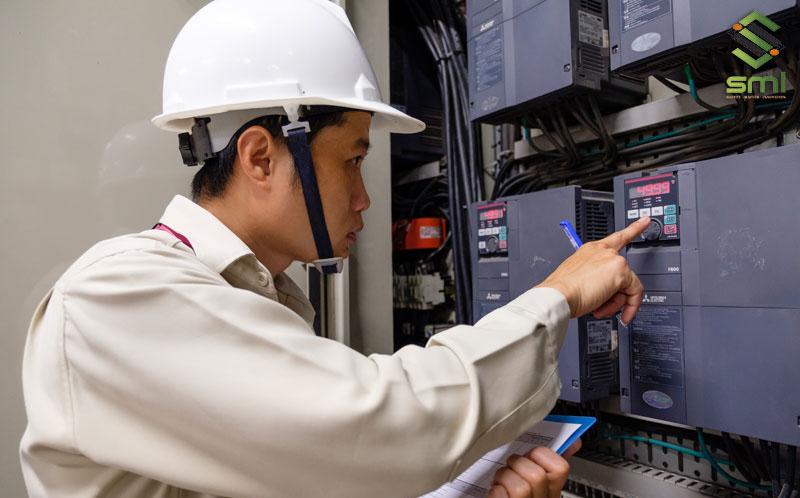 Bảo trì hệ thống điện công nghiệp thường xuyên giúp doanh nghiệp nhanh chóng phát hiện sự cố và xử lý