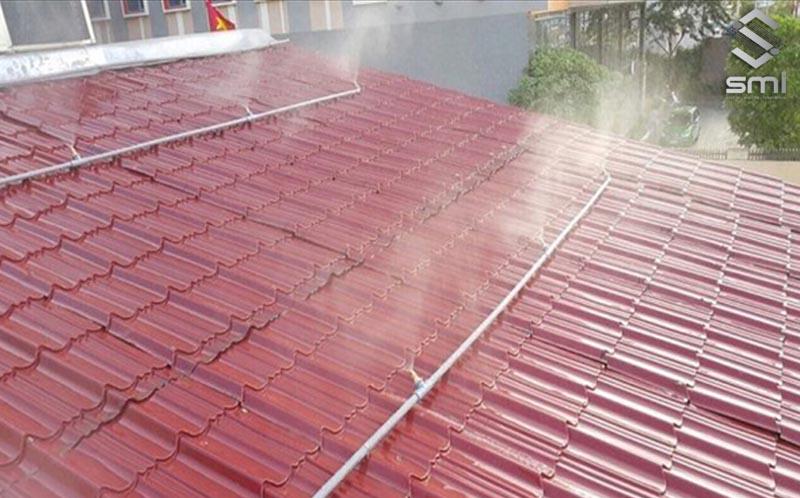 Hệ thống đường ống dẫn nước làm mát mái nhà xưởng