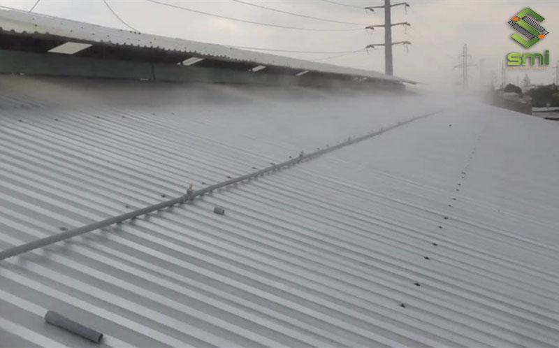 Phương án phun sương mái nhà là sự lựa chọn của nhiều doanh nghiệp để làm mát nhà xưởng nhanh chóng