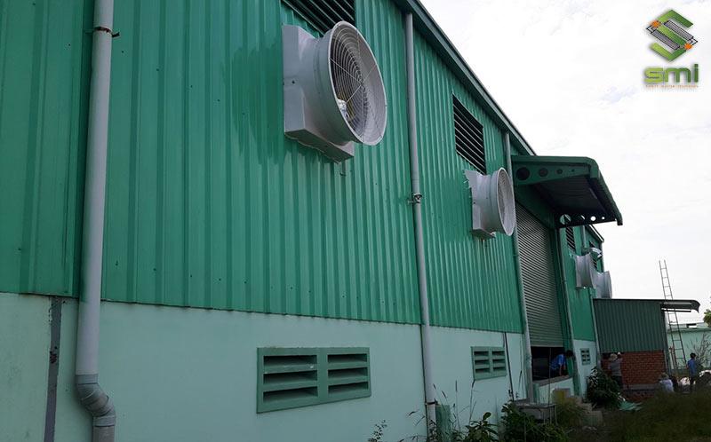 Hệ thống quạt thông gió lắp tường làm mát nhà xưởng