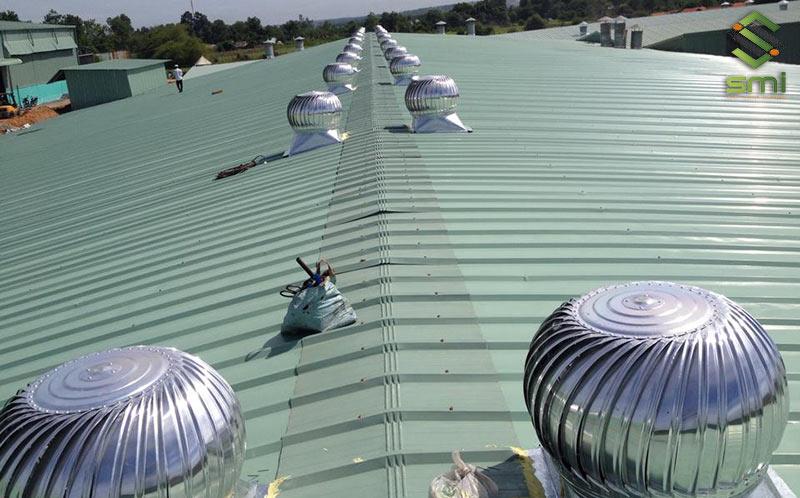 Lựa chọn các loại quạt thông gió mái công nghiệp là giải pháp phù hợp với các nhà xưởng có mái tôn