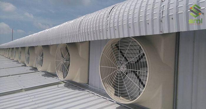 Sử dụng hệ thống quạt để thông gió nhà xưởng