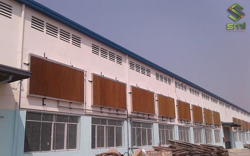 Biện pháp thông gió bằng cách lắp đặt các tấm Cooling Pad bên ngoài nhà xưởng công nghiệp