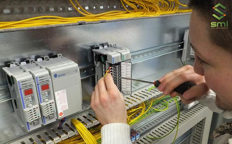 Việc thi công hệ thống điện công nghiệp đòi hỏi một đơn vị có chuyên môn cao