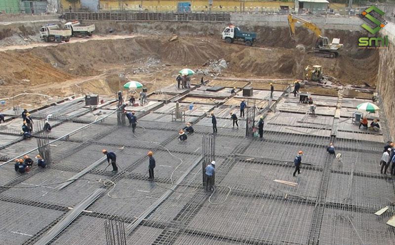 Lựa chọn nền đất vững chắc để xây móng là nguyên tắc xây dựng nhà xưởng không thể bỏ qua