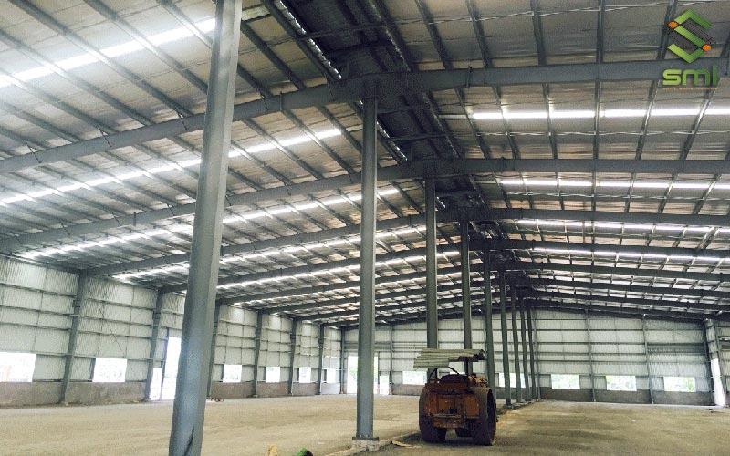 Nhà xưởng thép tiền chế có tính linh hoạt cao, giúp doanh nghiệp tiết kiệm thời gian và chi phí xây dựng