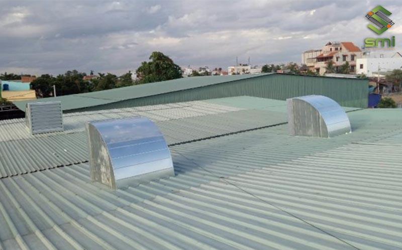 Quạt thông gió mái nhà xưởng