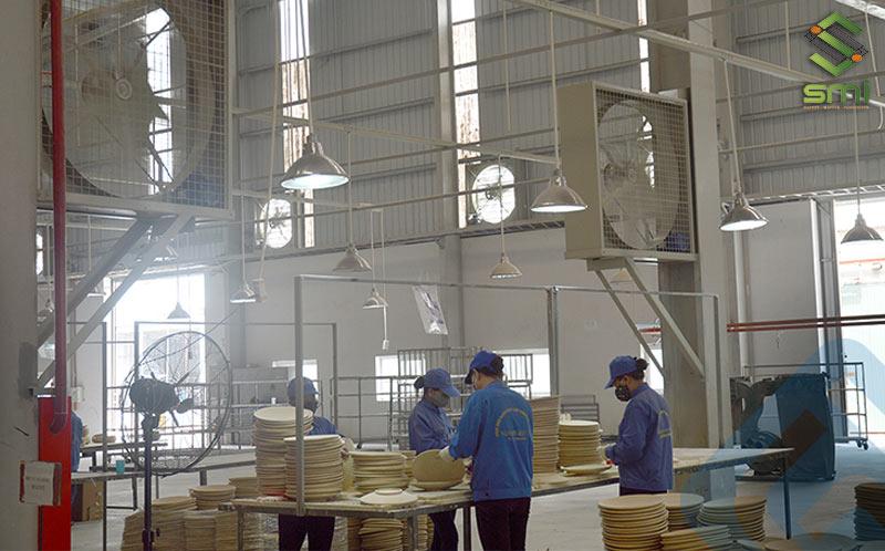 Sử dụng hệ thống thông gió làm mát nhà xưởng là biện pháp tối ưu về chi phí cho doanh nghiệp