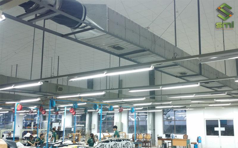 Xưởng may cần được lọc bụi, thông khí thường xuyên để công nhân làm việc hiệu quả
