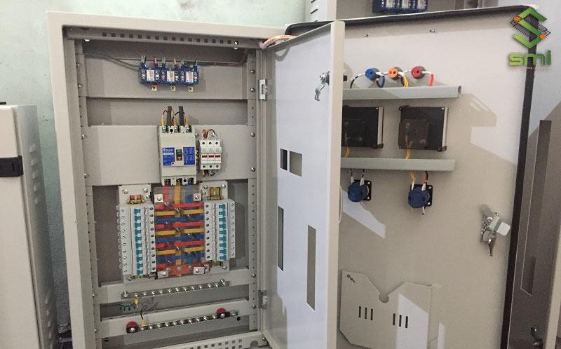 Tủ điện là một bộ phân không thể thiếu trong hệ thống điện nhà xưởng