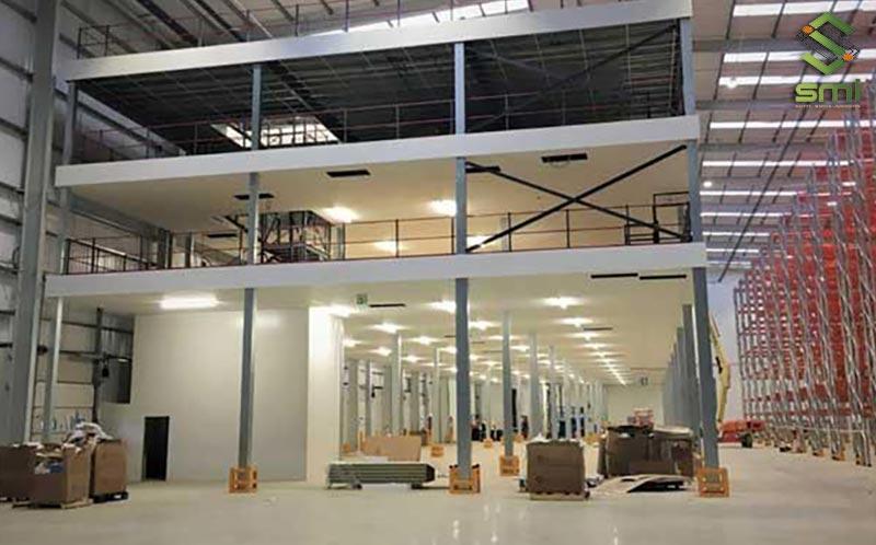 Thiết kế văn phòng ở tầng 2 tách biệt với khu vực sản xuất