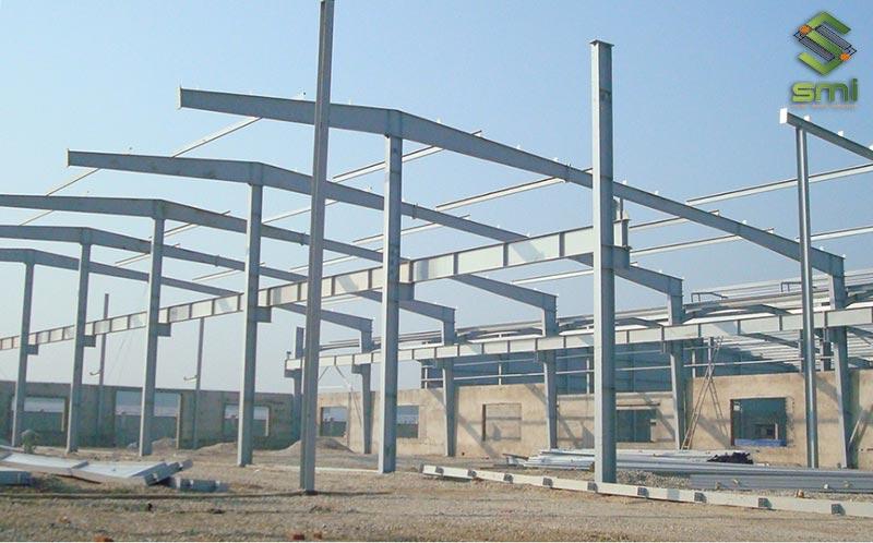 Xây dựng nhà xưởng thép tiền chế vô cùng linh hoạt và tiết kiệm chi phí